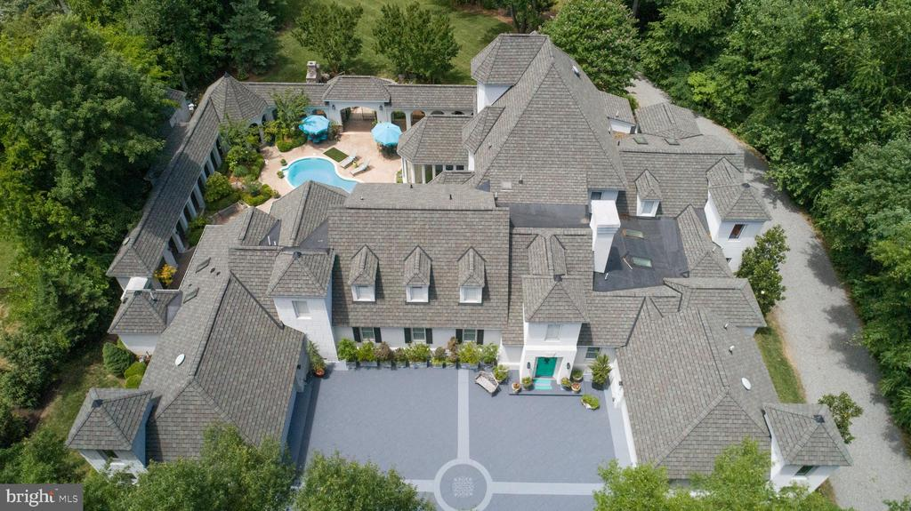 French Chateau design with 4 two-story turrets - 909 MADISON ST, FREDERICKSBURG