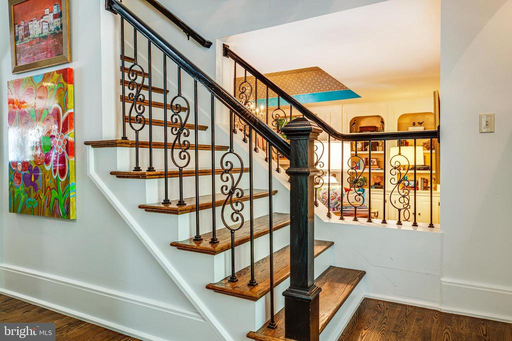 Stairs to one of the 3 upper levels - 909 MADISON ST, FREDERICKSBURG