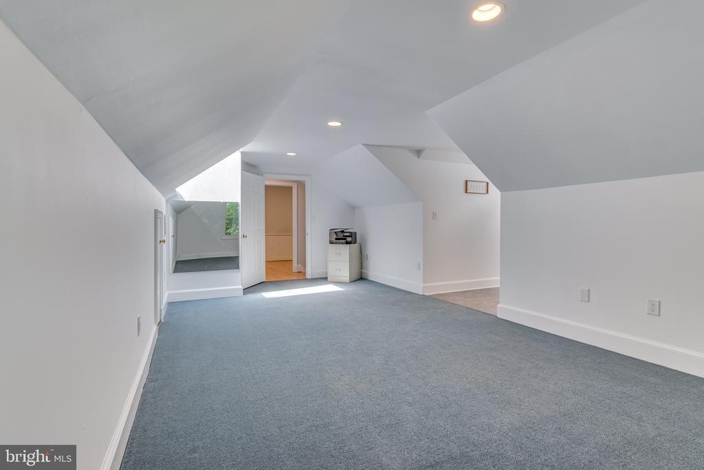 Room across from master bath - 16332 HAMPTON RD, HAMILTON