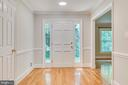 Foyer separates main living from 4 of the bedrooms - 16332 HAMPTON RD, HAMILTON