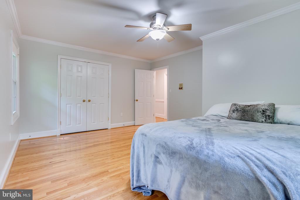 Bedroom #3 on main floor. - 16332 HAMPTON RD, HAMILTON
