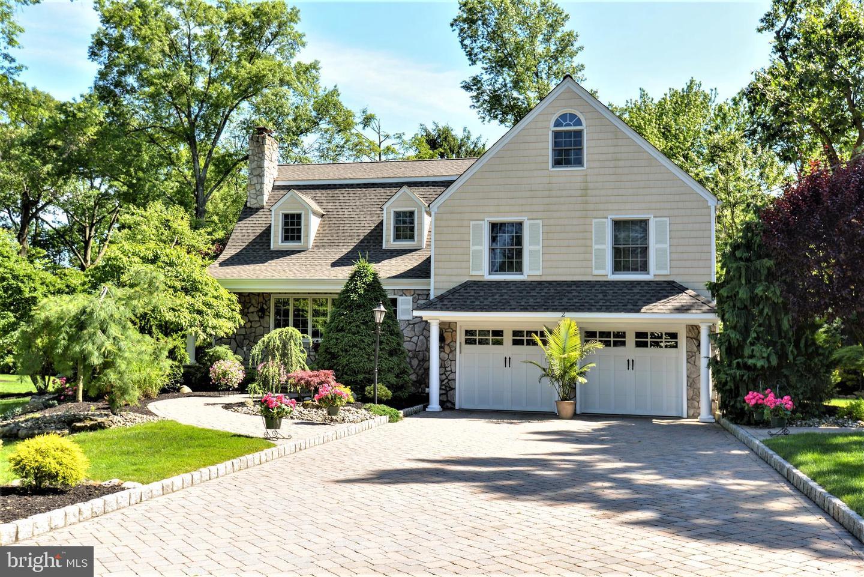 Single Family Homes のために 売買 アット Edison, ニュージャージー 08820 アメリカ