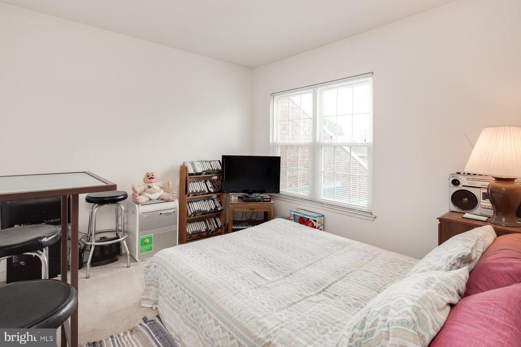 3rd Level Guest Bedroom - 3737 CASSELL PL NE, WASHINGTON