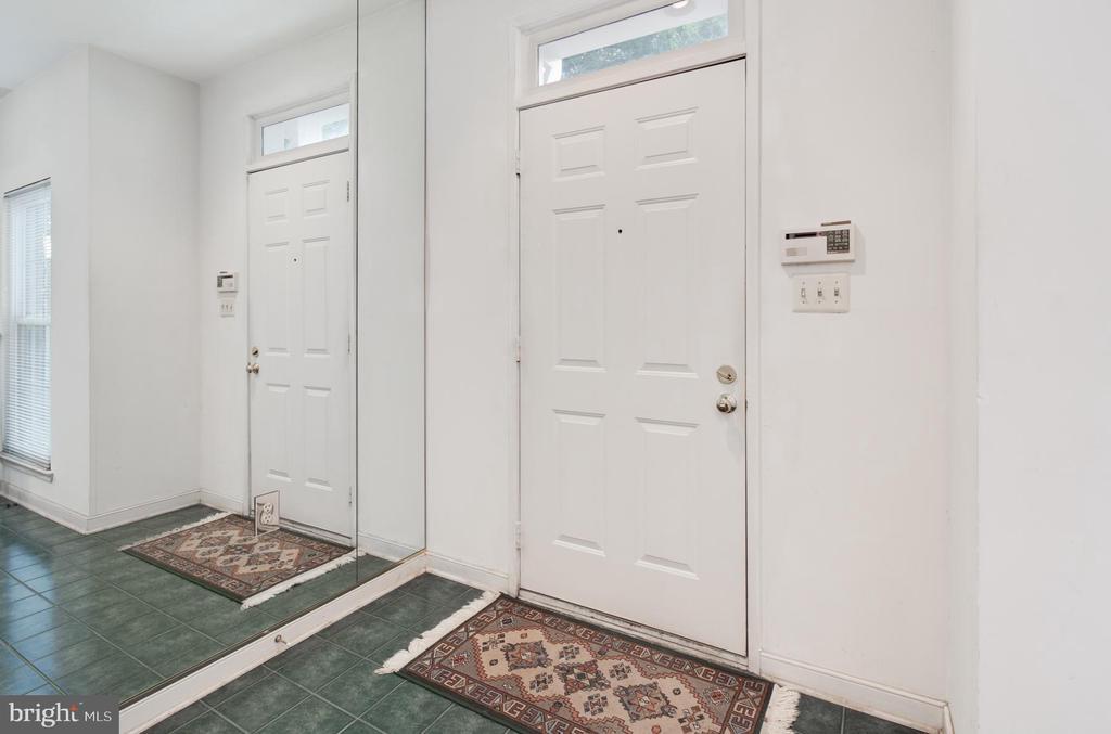 Entry Foyer - 3737 CASSELL PL NE, WASHINGTON