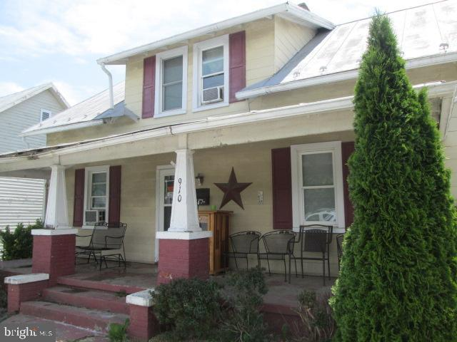 Single Family for Sale at 910 E Main St Luray, Virginia 22835 United States