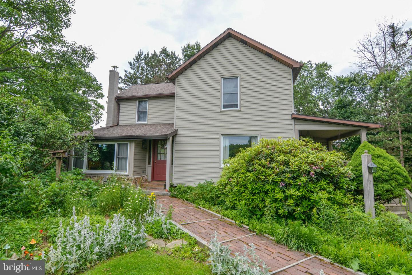 Single Family for Sale at 1557 Sanders Ln Oakland, Maryland 21550 United States