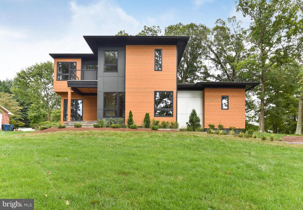 What a dream home! - 1281 SERENITY WOODS LN, VIENNA