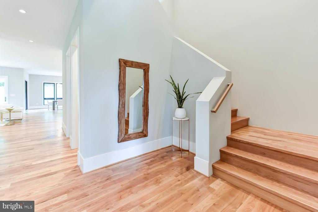 From foyer / stairwell to second floor - 1281 SERENITY WOODS LN, VIENNA