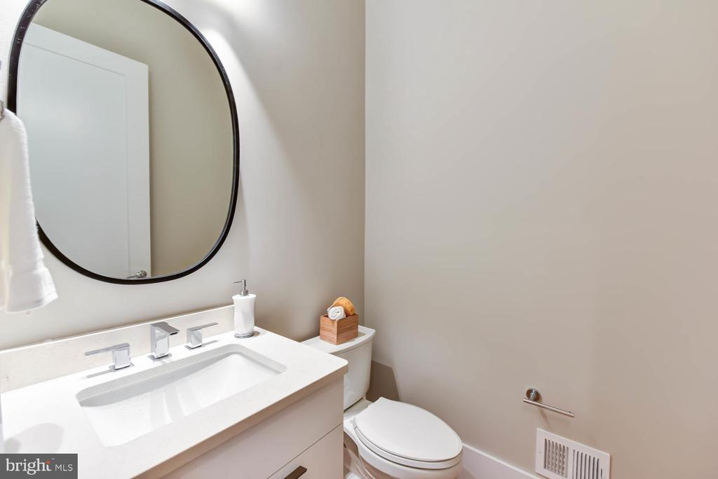 Powder Room - 1281 SERENITY WOODS LN, VIENNA
