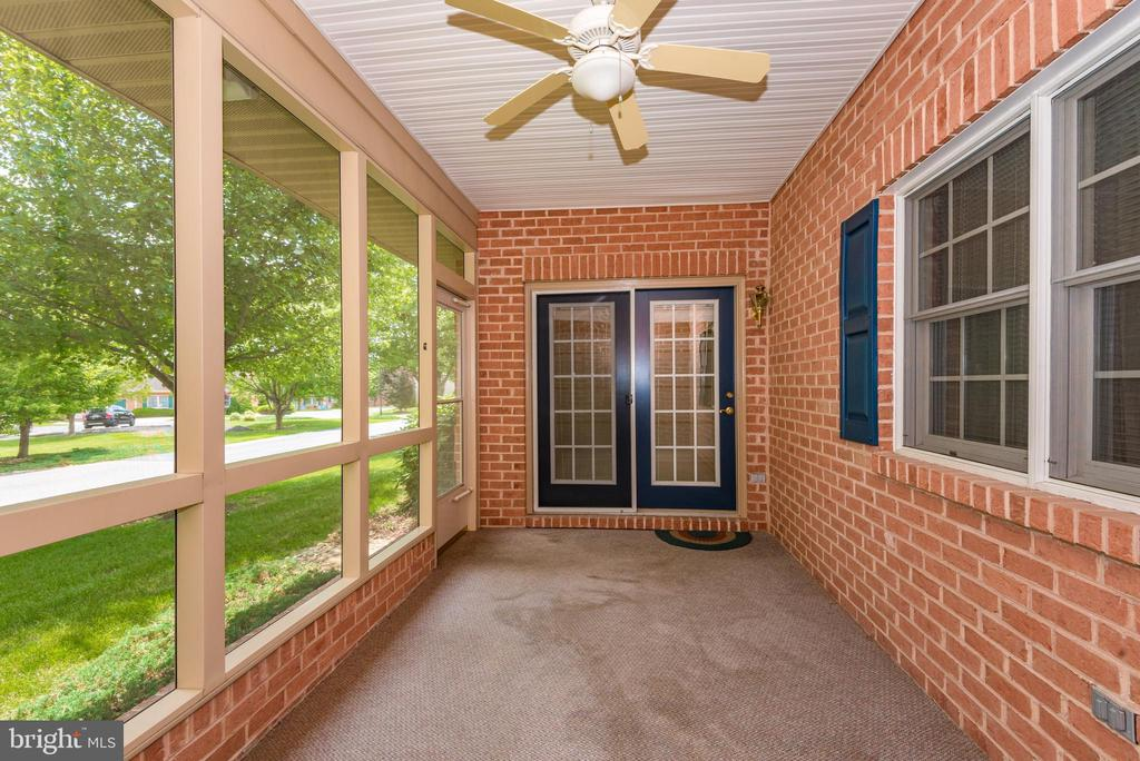 SCREENED IN PORCH - 305 SUNBROOK LN #91, HAGERSTOWN
