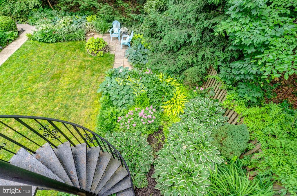 View from sunroom deck to hosta garden! - 5912 ONE PENNY DR, FAIRFAX STATION