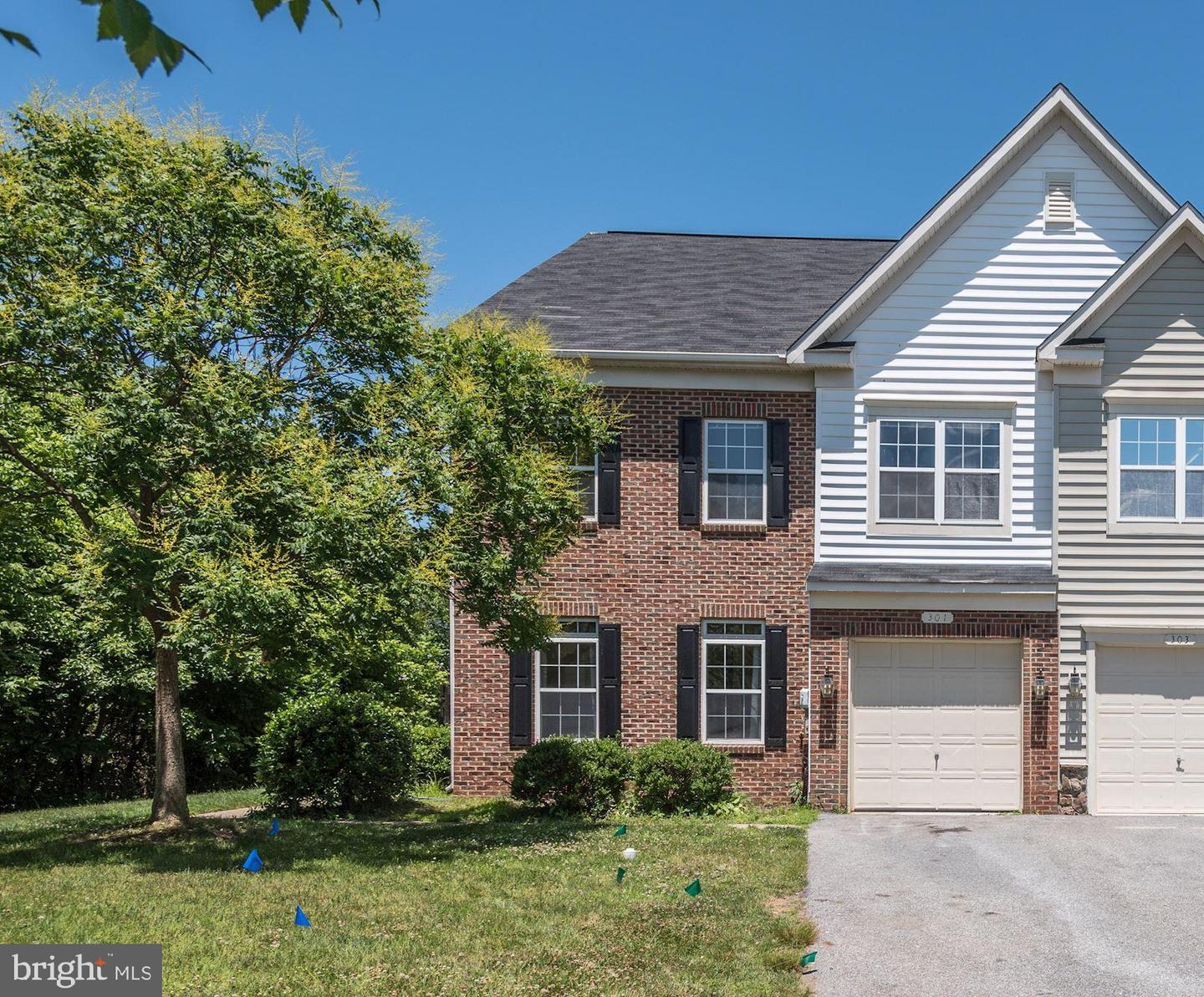 Single Family for Sale at 301 Berwick Ln Stephens City, Virginia 22655 United States