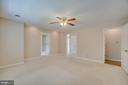 Large Master Suite with Separate Sitting Room - 111 NAUTICAL CV, STAFFORD
