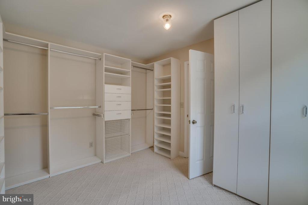 Master Walk-in Closet - 111 NAUTICAL CV, STAFFORD