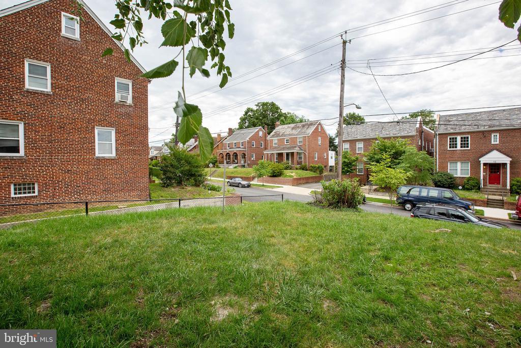 Side yard - 45 MADISON ST NW, WASHINGTON