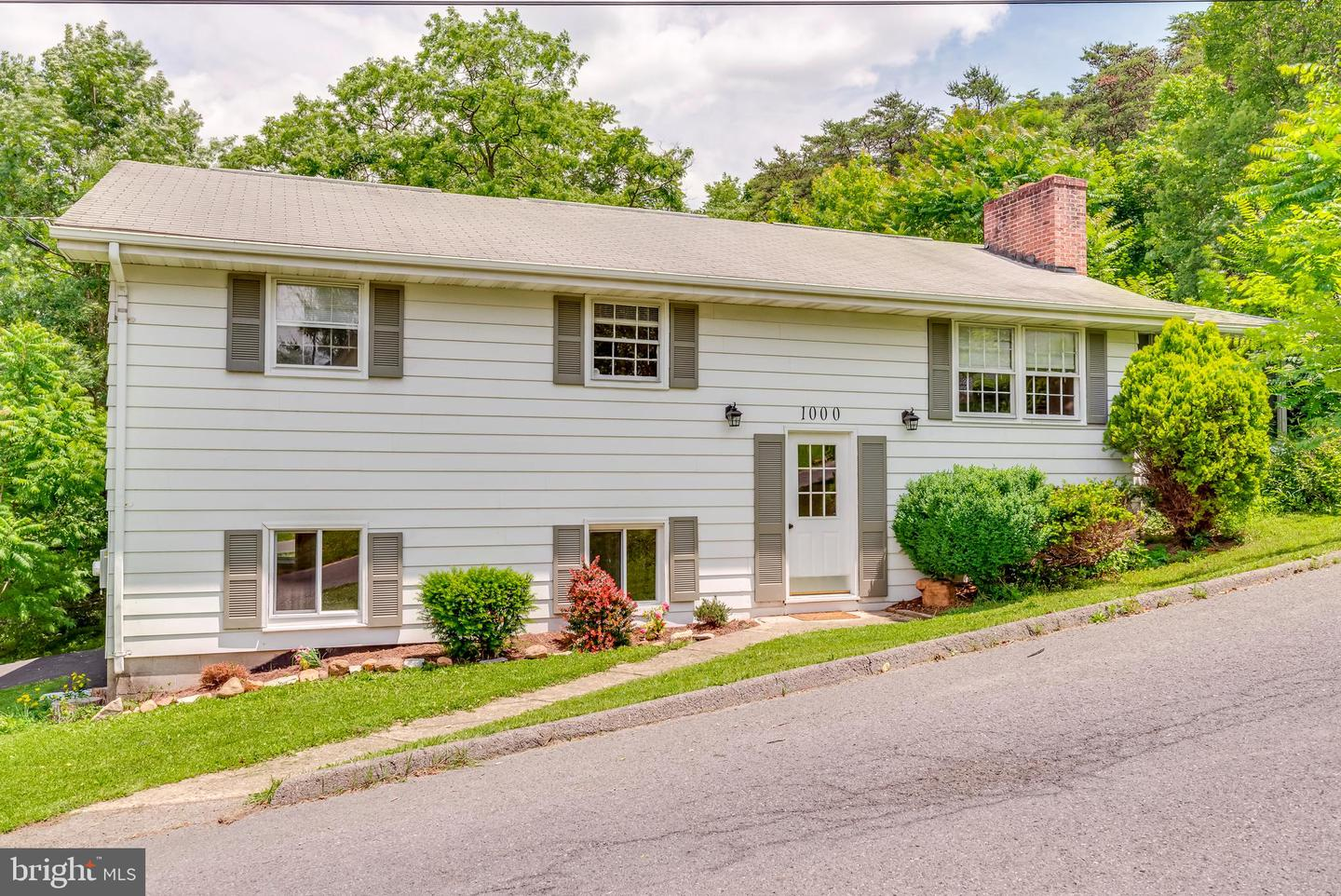 Single Family for Sale at 1000 Shades Ln Cumberland, Maryland 21502 United States