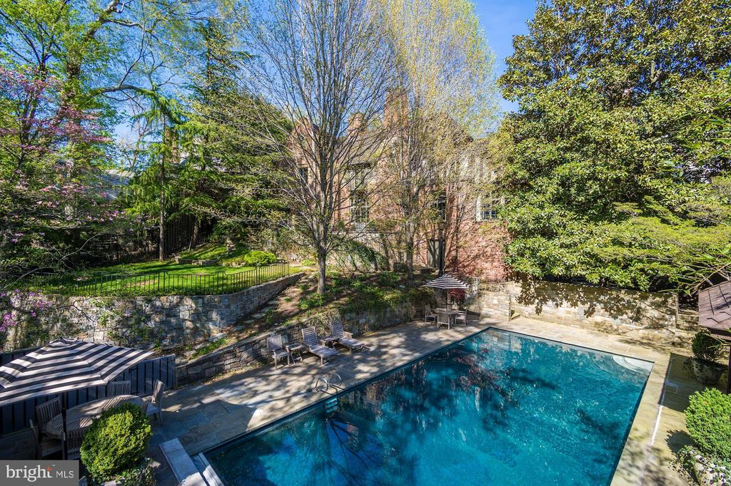 Private Oasis - 2728 32ND ST NW, WASHINGTON
