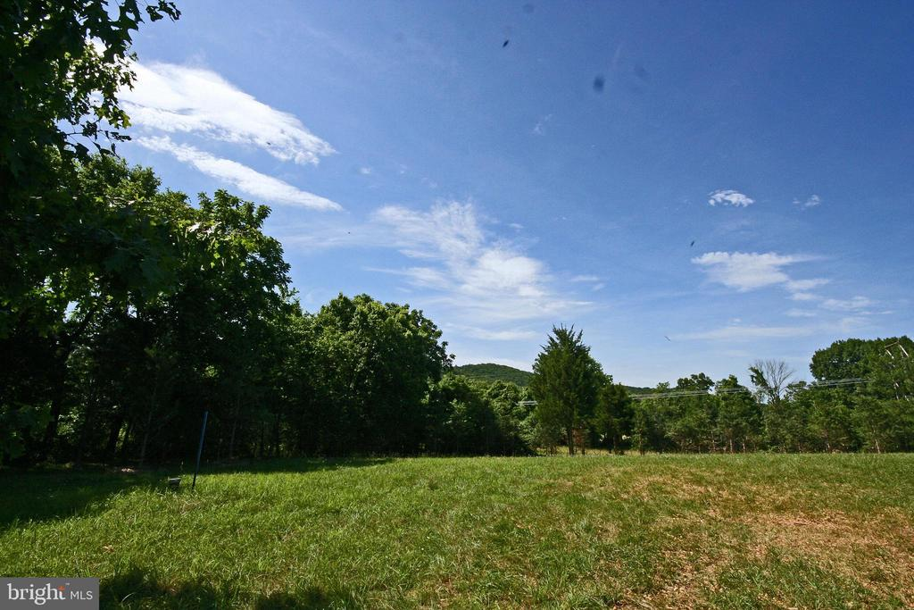 Great Views but plenty private - 8191 PETERS RD, FREDERICK