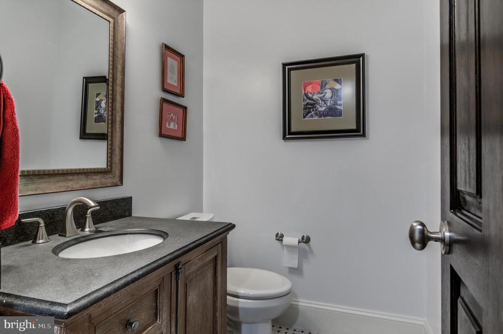 FULL BATHROOM - 5029 38TH ST N, ARLINGTON