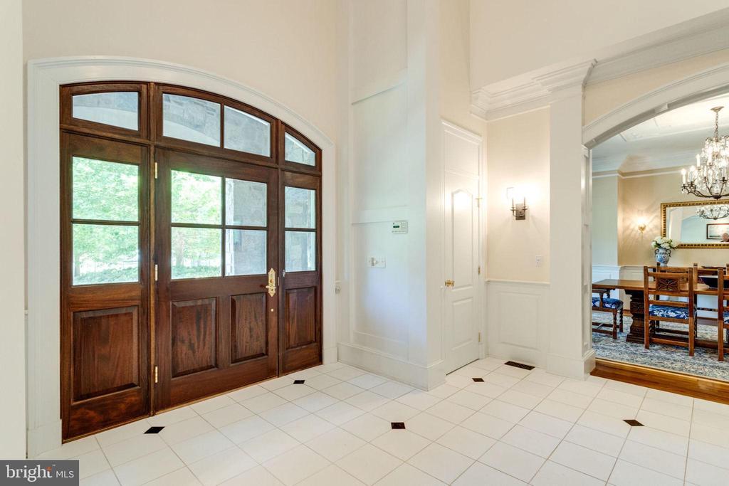 GORGEOUS FRONT DOOR - 1030 HARVEY RD, MCLEAN