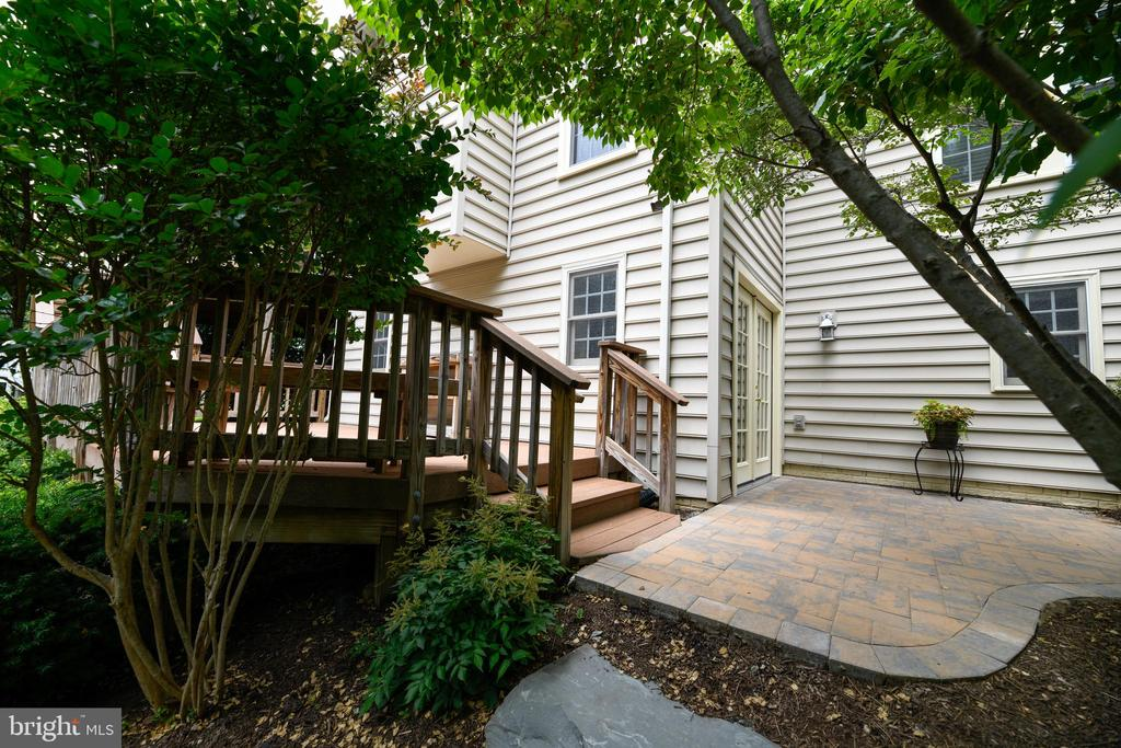 Cozy and quiet patio - 21470 BASIL CT, BROADLANDS