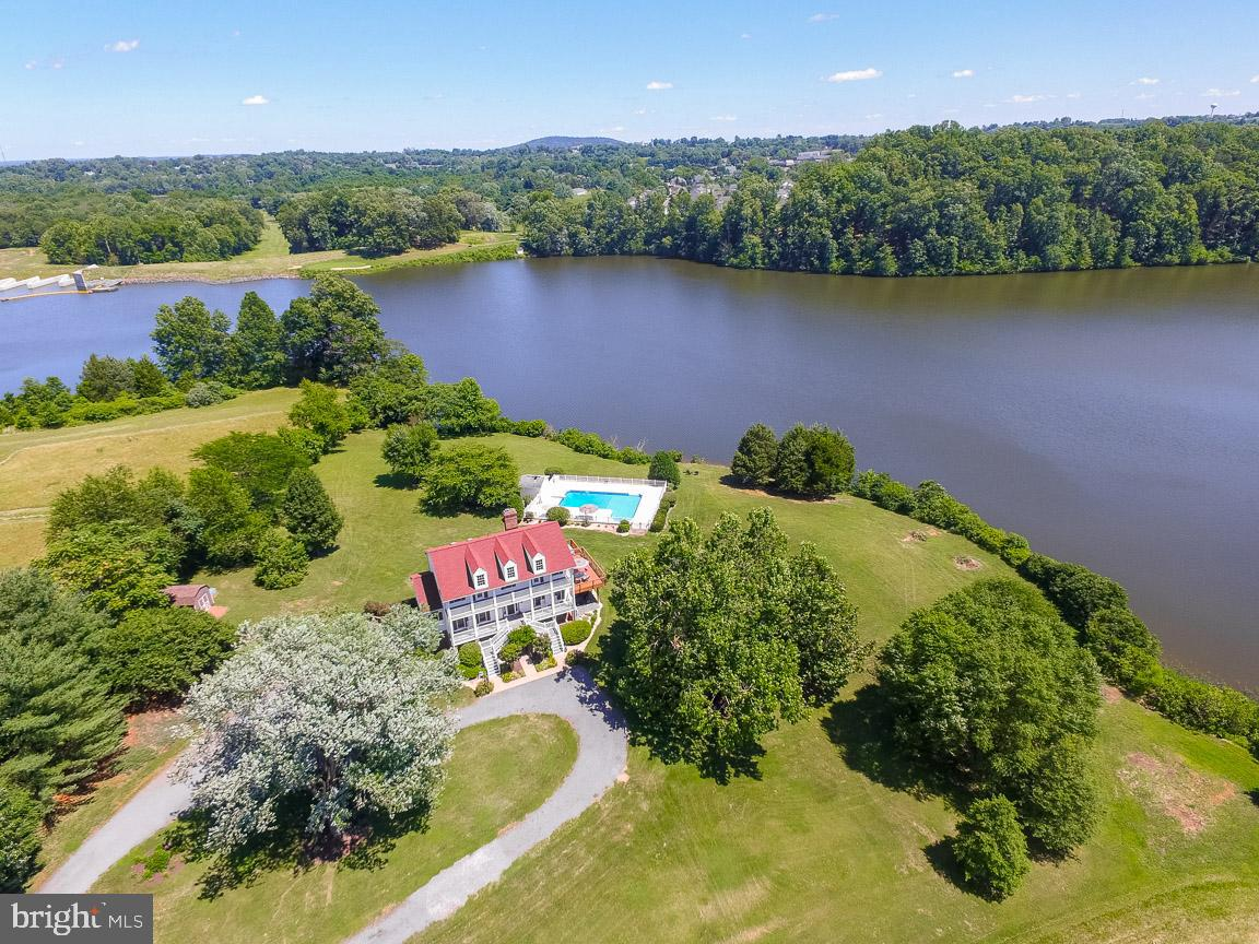 Single Family for Sale at 17068 Wayland Rd Culpeper, Virginia 22701 United States