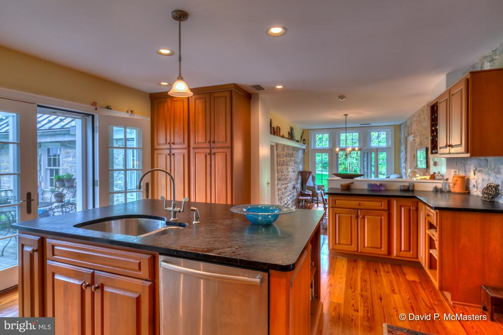 Lots of light. Surrounded by natural beauty - 1208 BEDINGTON RD, MARTINSBURG