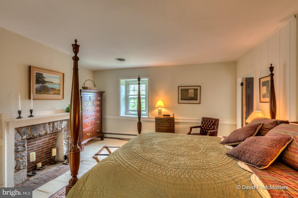 Another bedroom with fireplace. - 1208 BEDINGTON RD, MARTINSBURG