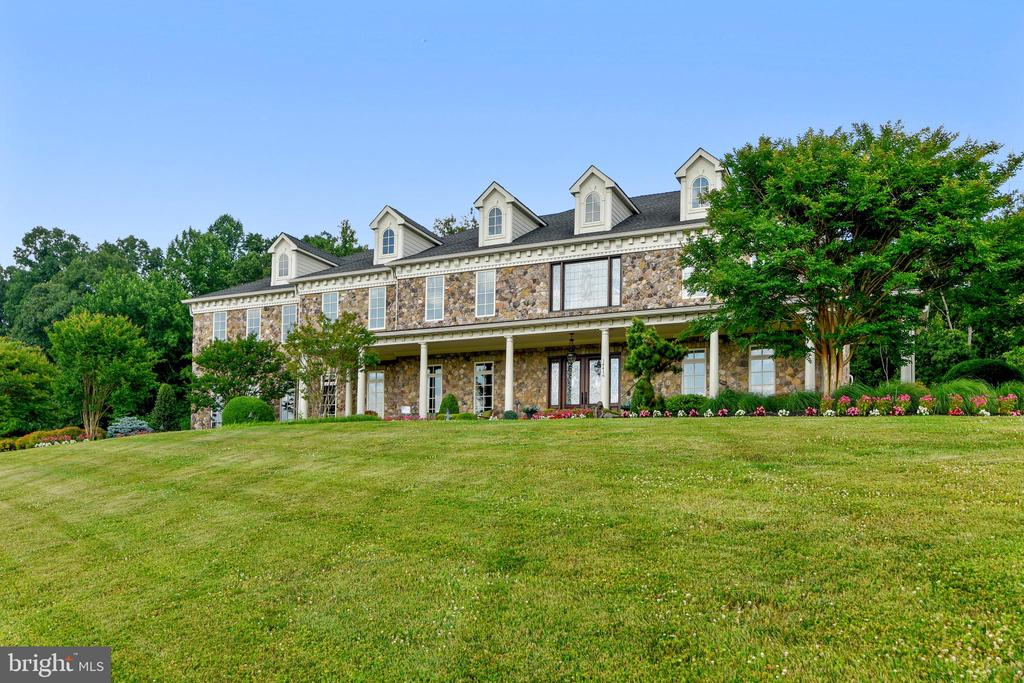 Sited prominently on the ridge for maximum views - 14416 LOYALTY RD, LEESBURG