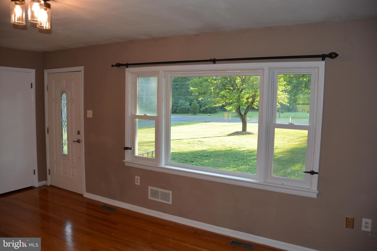 Additional photo for property listing at 4294 Martinsburg Pike Clear Brook, Virginia 22624 United States