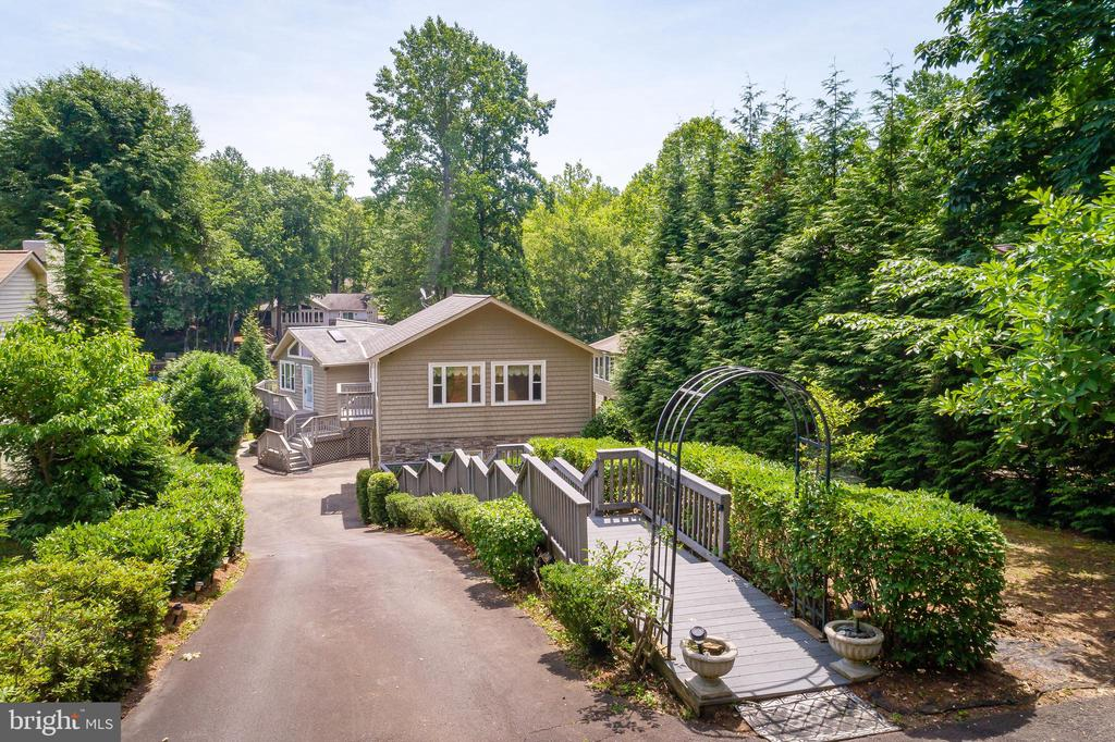 STAIRS TO YOUR NEW WATERFRONT HOME - 100 HARBOURVIEW DR, LOCUST GROVE