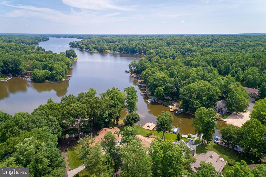 AMENITY FILLED COMMUNITY - 100 HARBOURVIEW DR, LOCUST GROVE