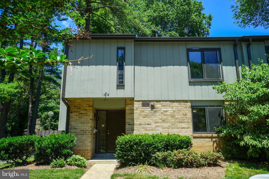 - 1818 IVY OAK SQ, RESTON