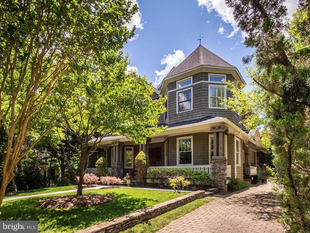 Dramatic front turret - 4412 WALSH ST, CHEVY CHASE