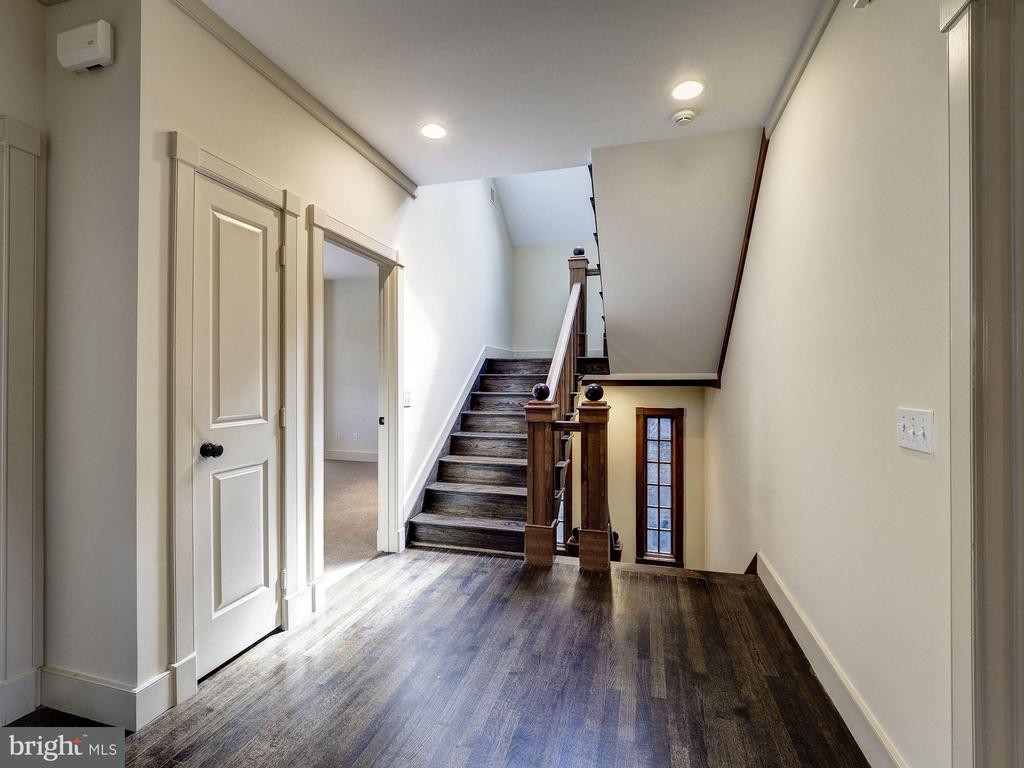 Second floor landing - 4412 WALSH ST, CHEVY CHASE