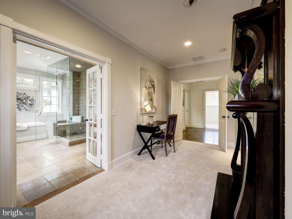 Owner's sitting room open to spa bath - 4412 WALSH ST, CHEVY CHASE