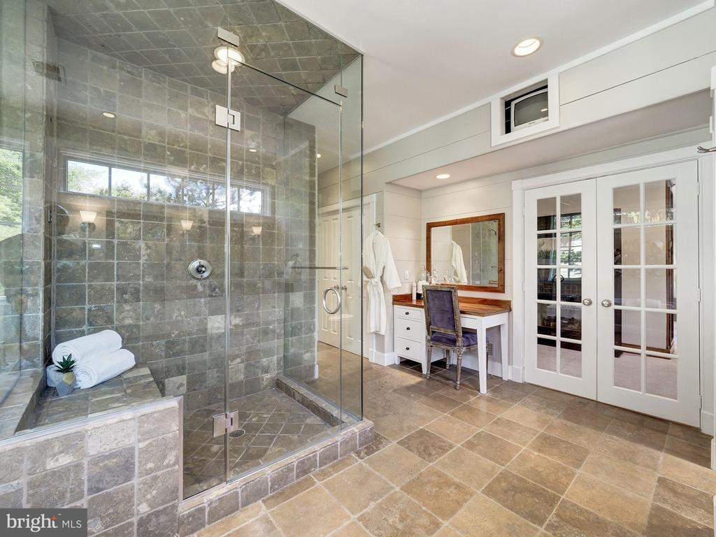 Owner's spa bath with steam shower - 4412 WALSH ST, CHEVY CHASE