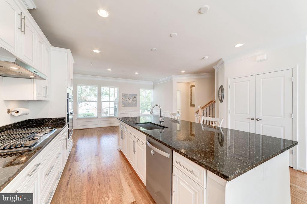 Spacious Dining Area Right off of the Kitchen - 3965 OAK ST, FAIRFAX