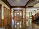 Beautiful flow for entertaining with central axis - 4412 WALSH ST, CHEVY CHASE
