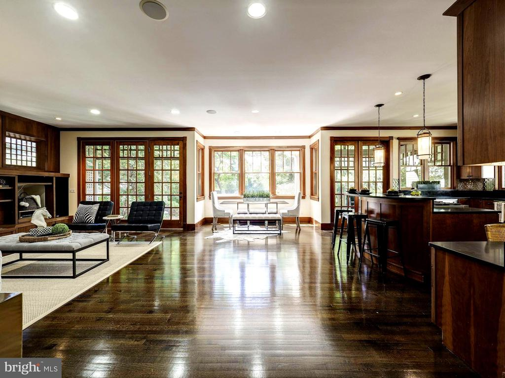 Bright, open floor plan looking back from front - 4412 WALSH ST, CHEVY CHASE