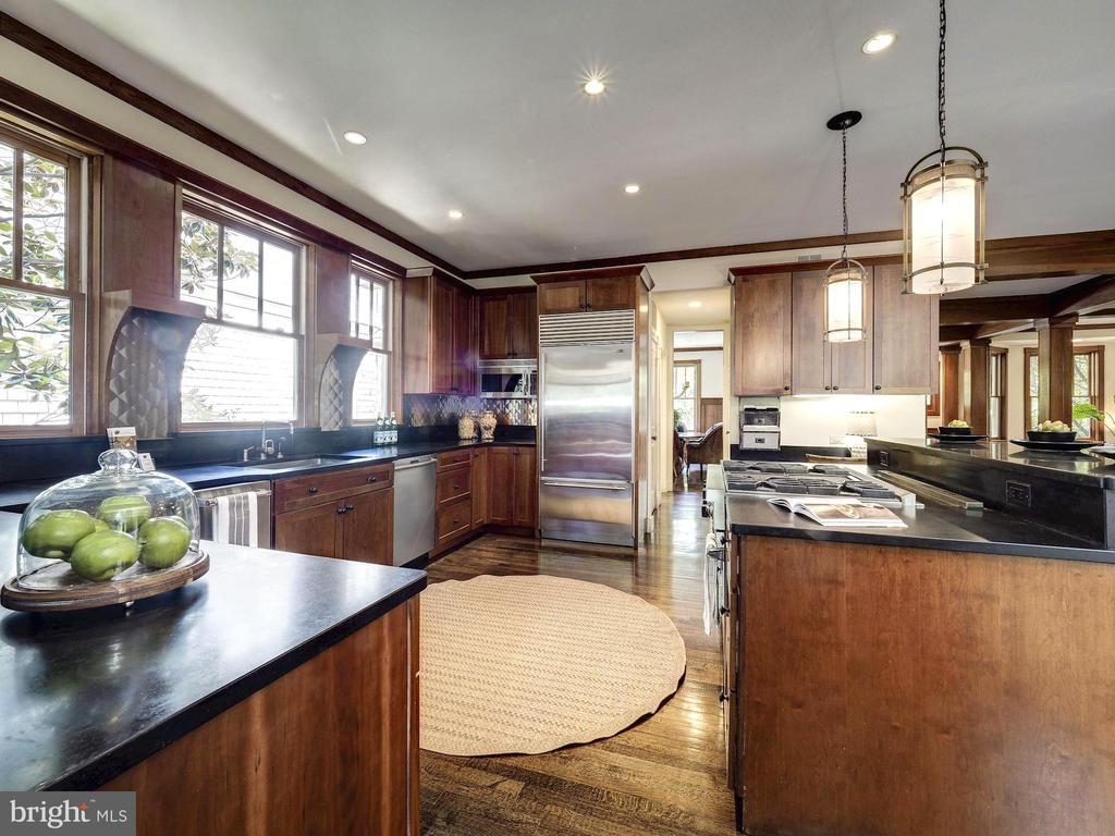 Open kitchen w/ Subzero, Viking, Asko appliances - 4412 WALSH ST, CHEVY CHASE