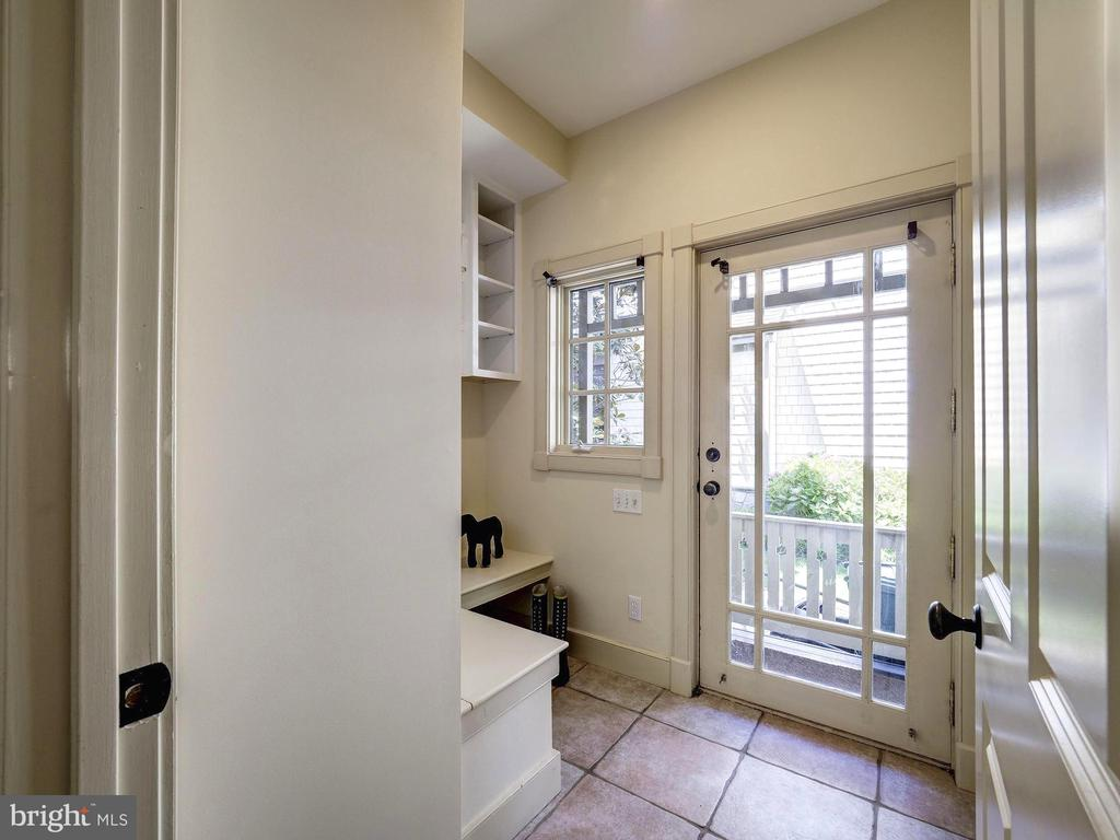 Mud room off driveway with bench and cubbies - 4412 WALSH ST, CHEVY CHASE