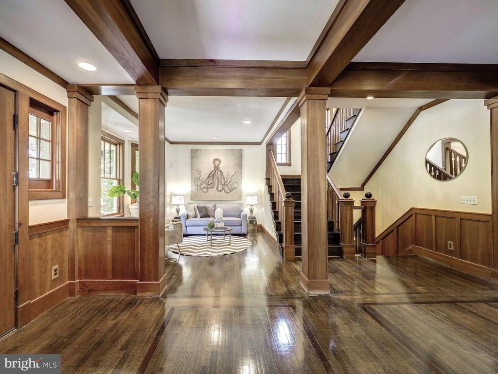 Gracious foyer and reception area - 4412 WALSH ST, CHEVY CHASE
