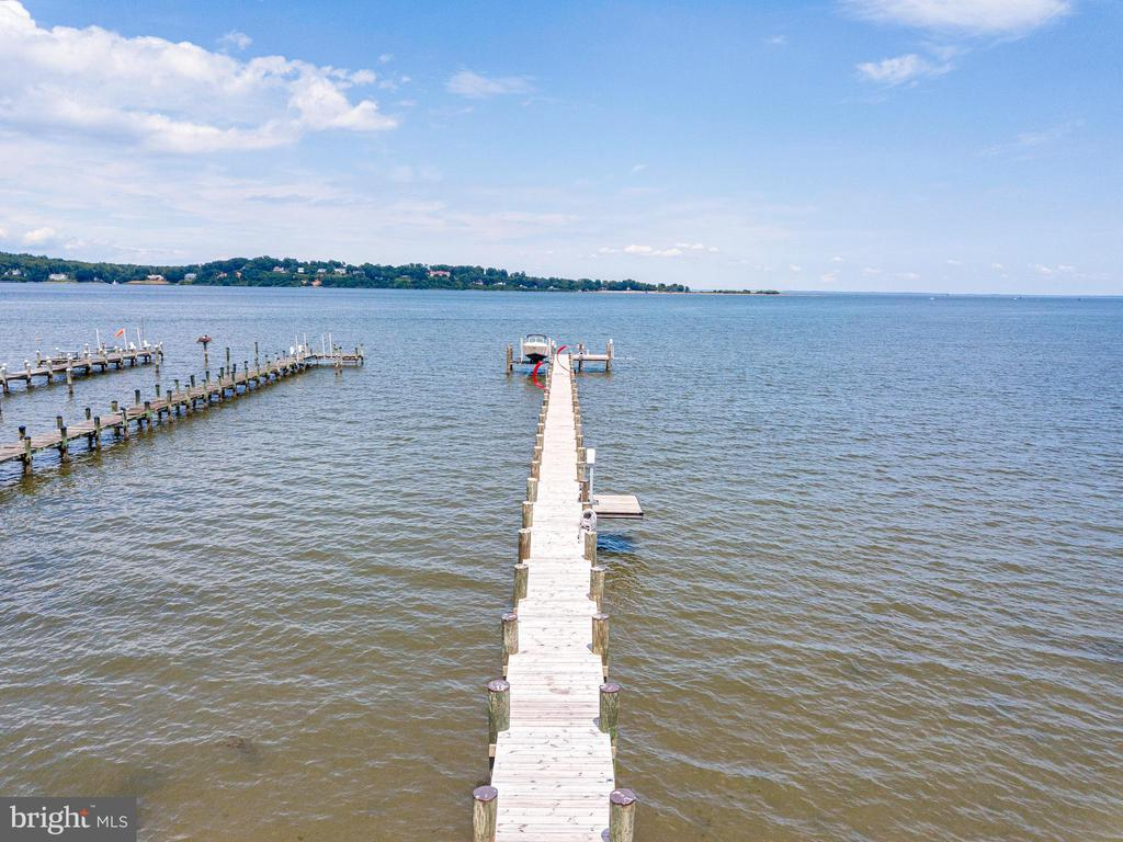 Brand new 300 foot dock. - 993 MAGOTHY AVE, ARNOLD