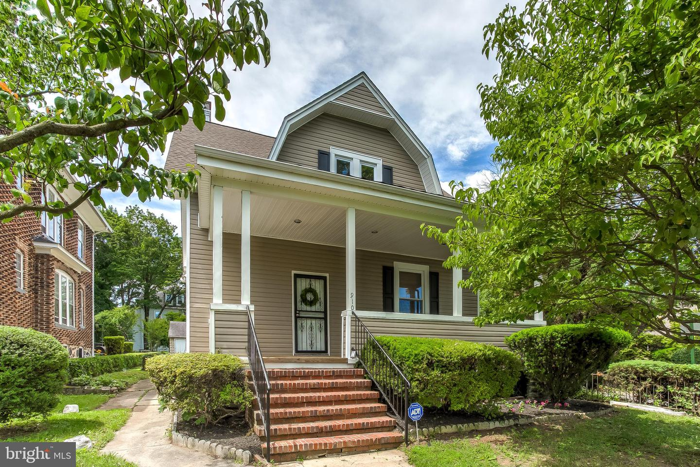 Single Family for Sale at 910 Walnut Ave Baltimore, Maryland 21229 United States