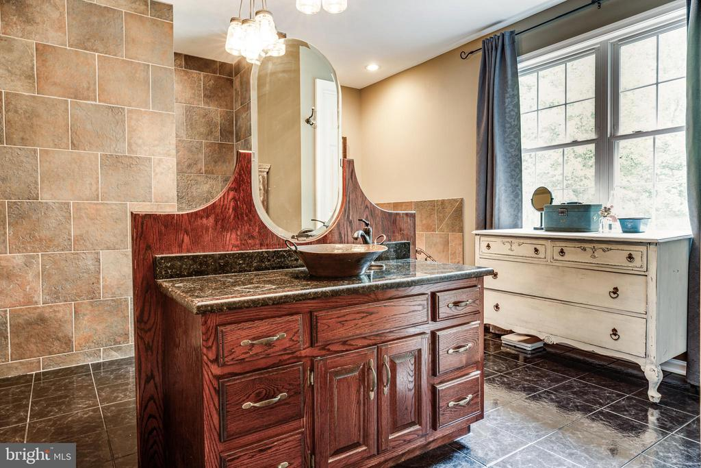 Unbelievable Master Bath w/walk-in shower - 36 BETHANY WAY, FREDERICKSBURG