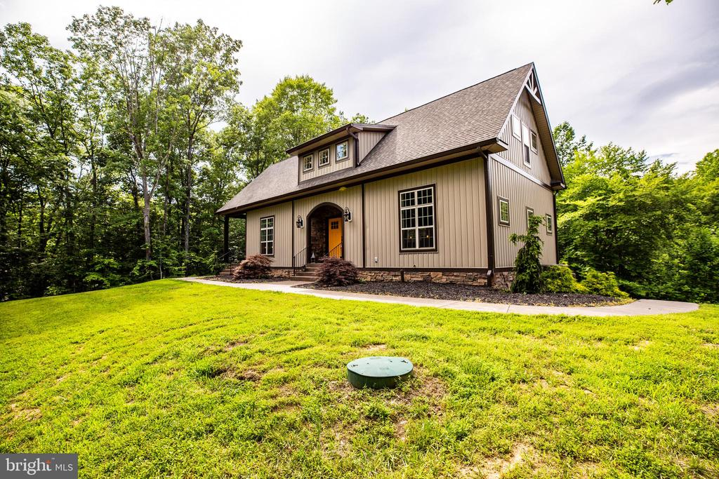 Income producing potential! - 36 BETHANY WAY, FREDERICKSBURG