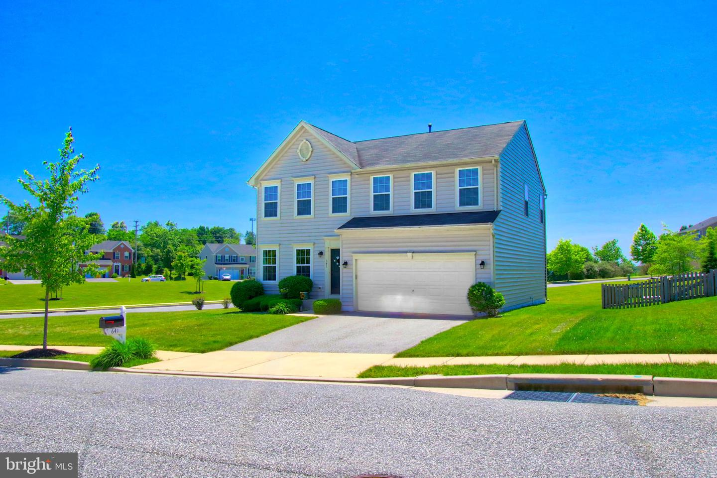641 UPPER FIELD Circle  Westminster, Maryland 21158 Hoa Kỳ