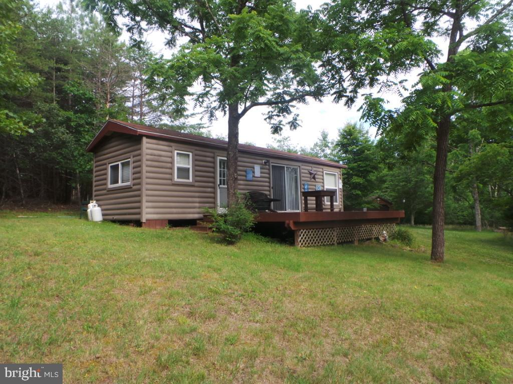 Single Family for Sale at 973 Posey Hollow Berkeley Springs, West Virginia 25411 United States
