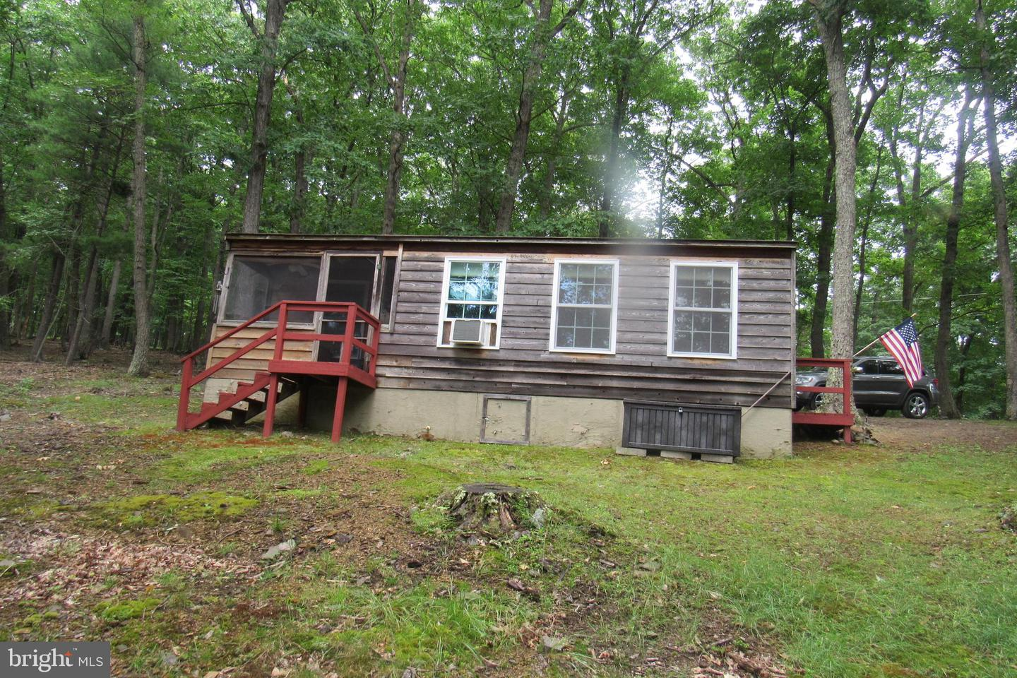 Single Family for Sale at 1178 Bears Lope Ln Berkeley Springs, West Virginia 25411 United States
